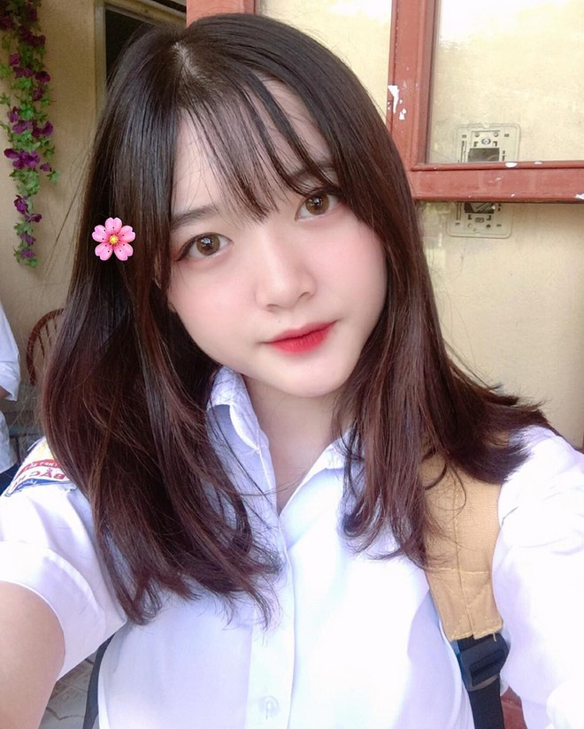 Cô bạn Lào Cai sinh năm 2001 sở hữu loạt biểu cảm không yêu không được trong clip trên TikTok - ảnh 3