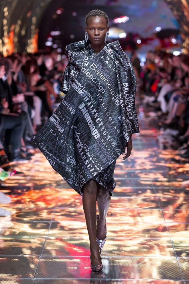 Top BST đỉnh nhất Paris Fashion Week do Vogue Mỹ chọn: Chanel vẫn an tọa, Gucci và Dior thì mất hút - ảnh 17