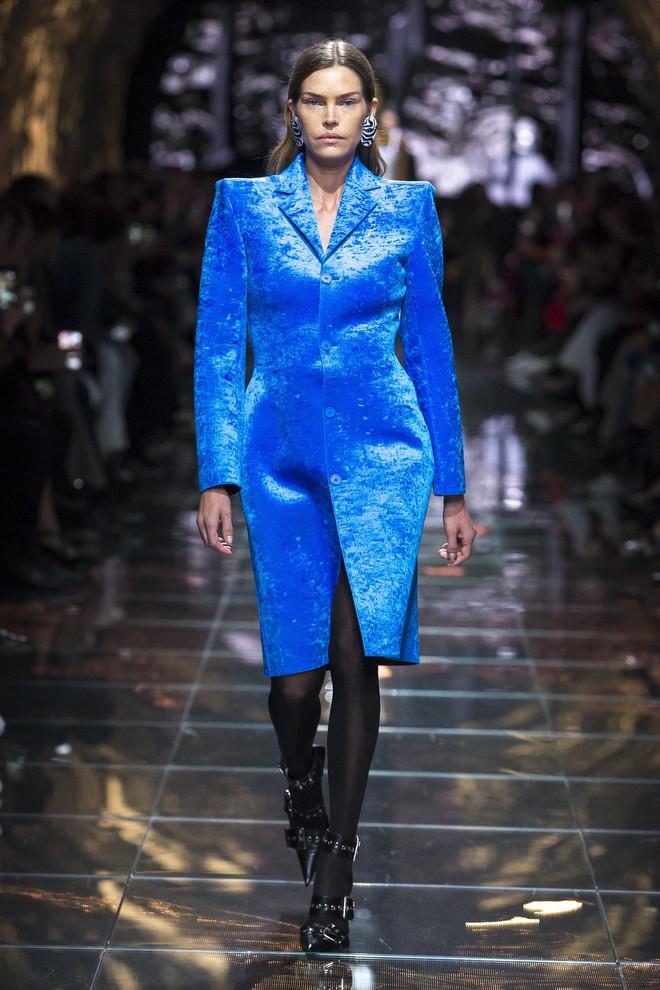 Top BST đỉnh nhất Paris Fashion Week do Vogue Mỹ chọn: Chanel vẫn an tọa, Gucci và Dior thì mất hút - ảnh 18