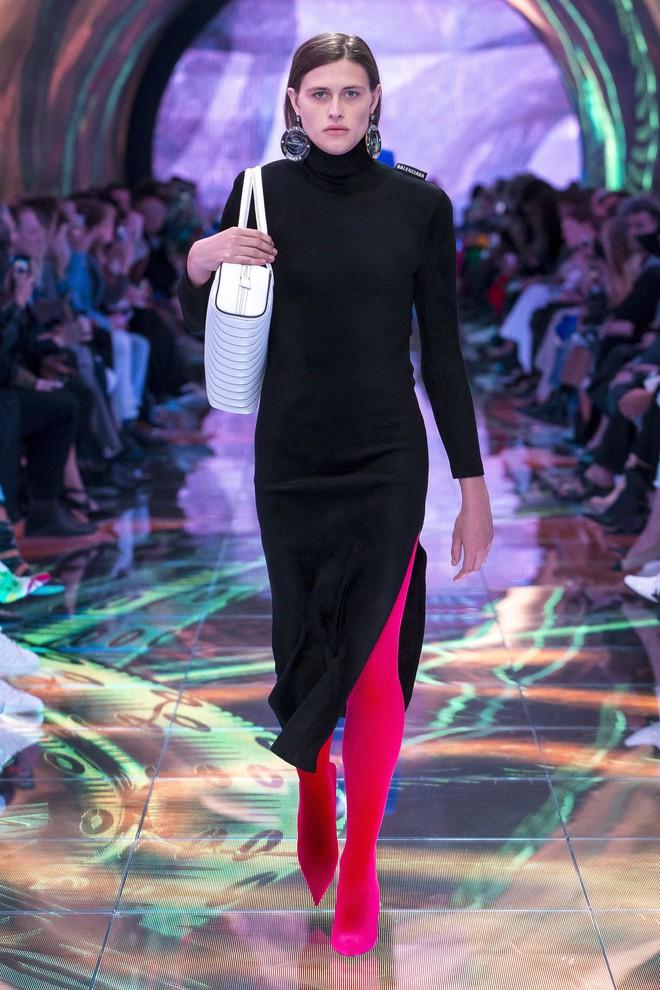 Top BST đỉnh nhất Paris Fashion Week do Vogue Mỹ chọn: Chanel vẫn an tọa, Gucci và Dior thì mất hút - ảnh 20