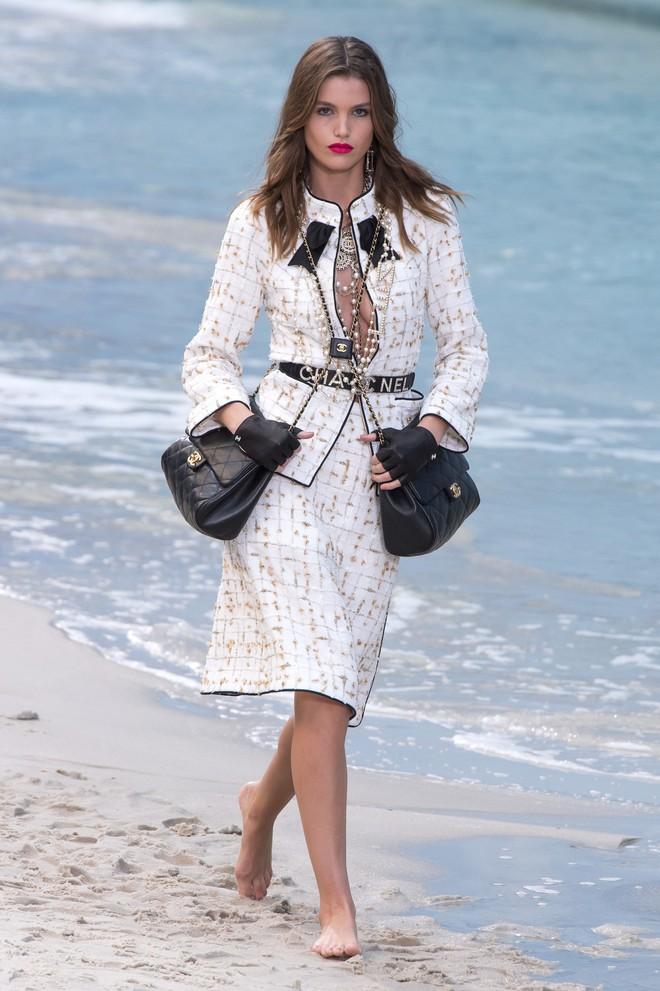 Top BST đỉnh nhất Paris Fashion Week do Vogue Mỹ chọn: Chanel vẫn an tọa, Gucci và Dior thì mất hút - ảnh 2