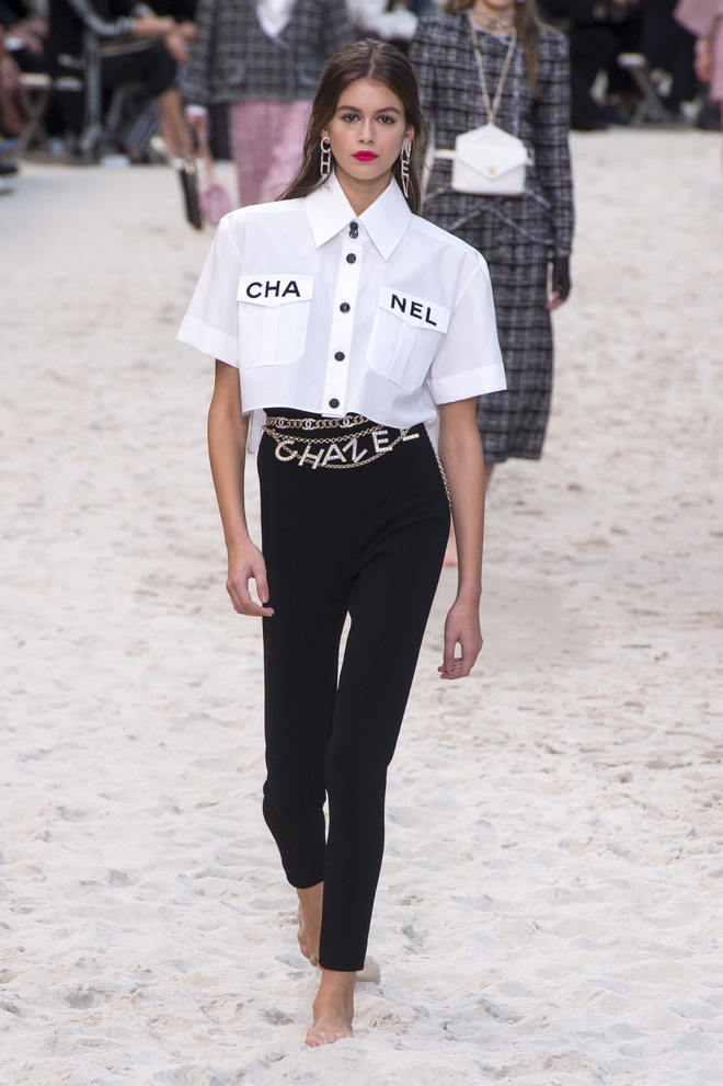 Top BST đỉnh nhất Paris Fashion Week do Vogue Mỹ chọn: Chanel vẫn an tọa, Gucci và Dior thì mất hút - ảnh 1