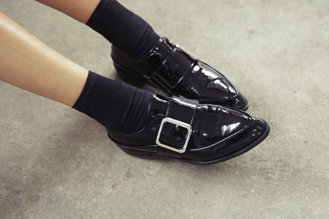 Đây chính là 4 kiểu giày loafer không thể thiếu trong tủ đồ của nàng công sở - ảnh 12