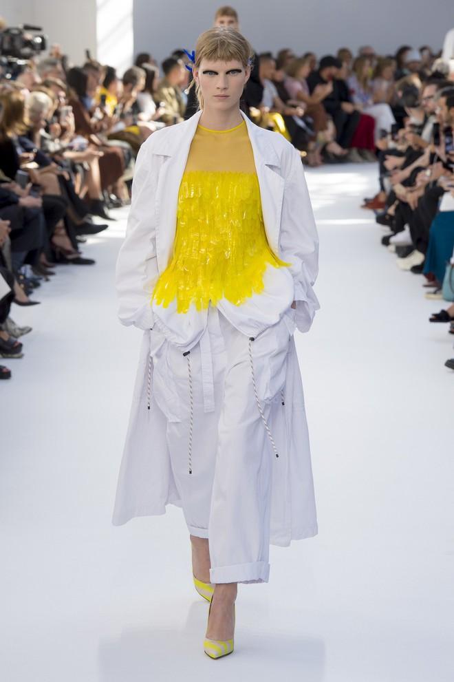 Top BST đỉnh nhất Paris Fashion Week do Vogue Mỹ chọn: Chanel vẫn an tọa, Gucci và Dior thì mất hút - ảnh 66