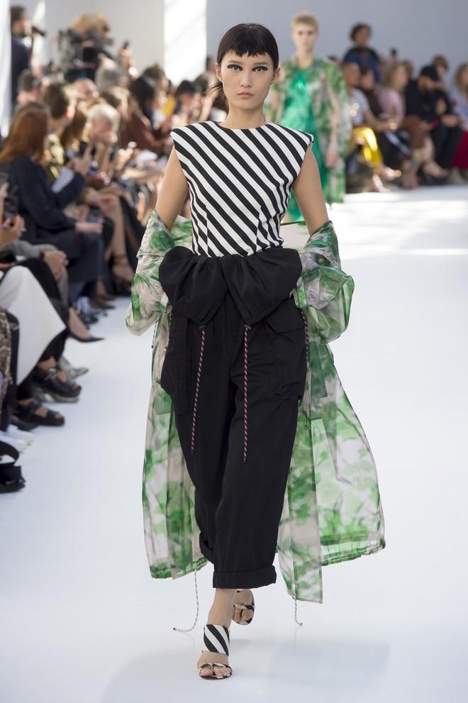 Top BST đỉnh nhất Paris Fashion Week do Vogue Mỹ chọn: Chanel vẫn an tọa, Gucci và Dior thì mất hút - ảnh 68