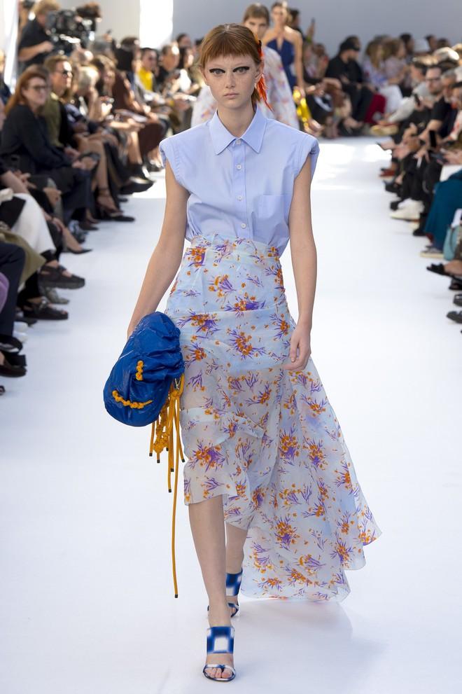 Top BST đỉnh nhất Paris Fashion Week do Vogue Mỹ chọn: Chanel vẫn an tọa, Gucci và Dior thì mất hút - ảnh 71