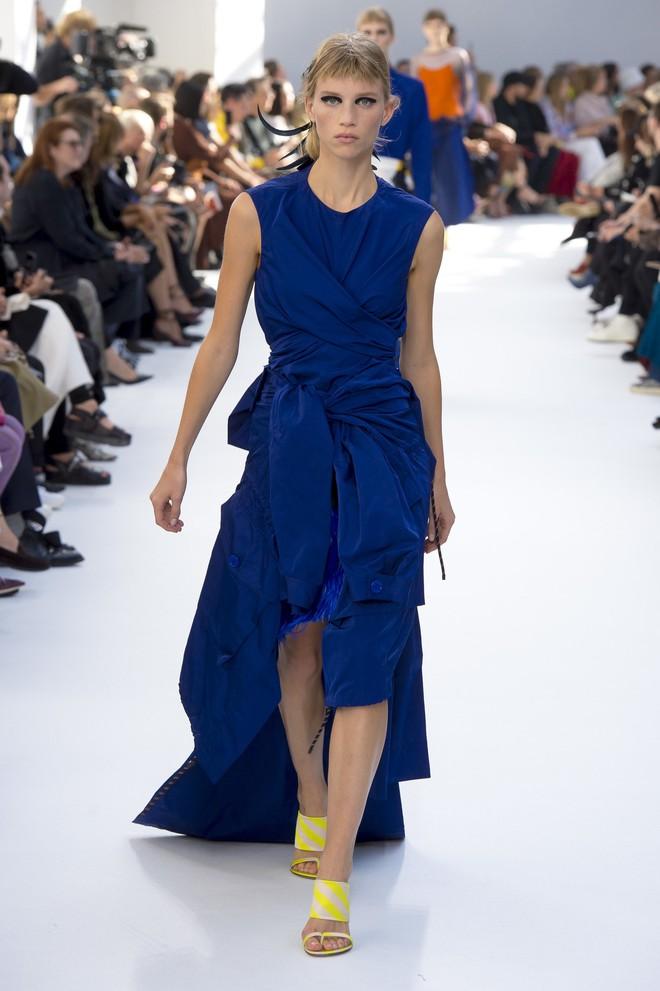 Top BST đỉnh nhất Paris Fashion Week do Vogue Mỹ chọn: Chanel vẫn an tọa, Gucci và Dior thì mất hút - ảnh 73