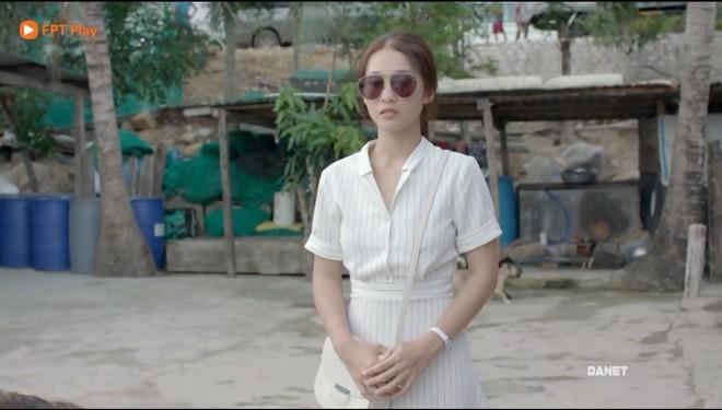 Có tâm như Khả Ngân: Đóng phim remake là cũng diện luôn trang phục giống Song Hye Kyo cho vẹn toàn - ảnh 4