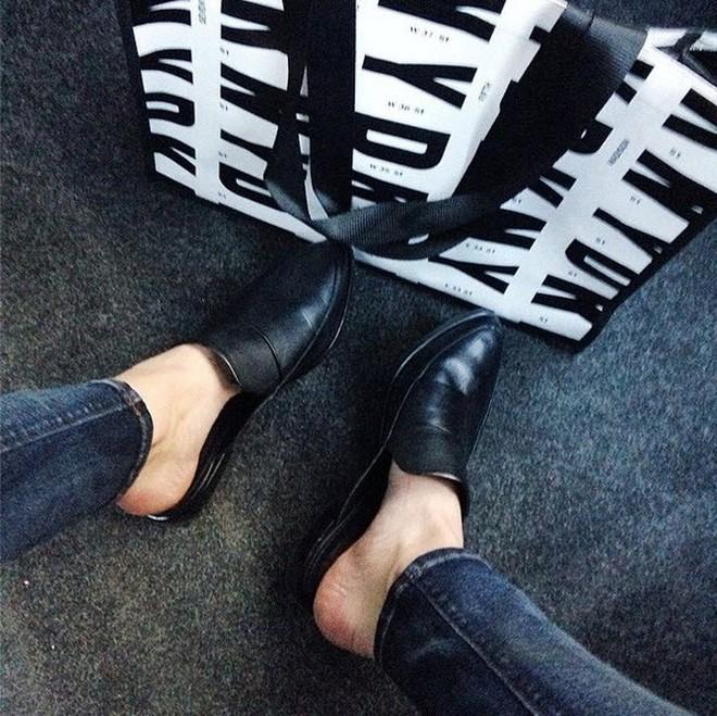 Đây chính là 4 kiểu giày loafer không thể thiếu trong tủ đồ của nàng công sở - ảnh 22