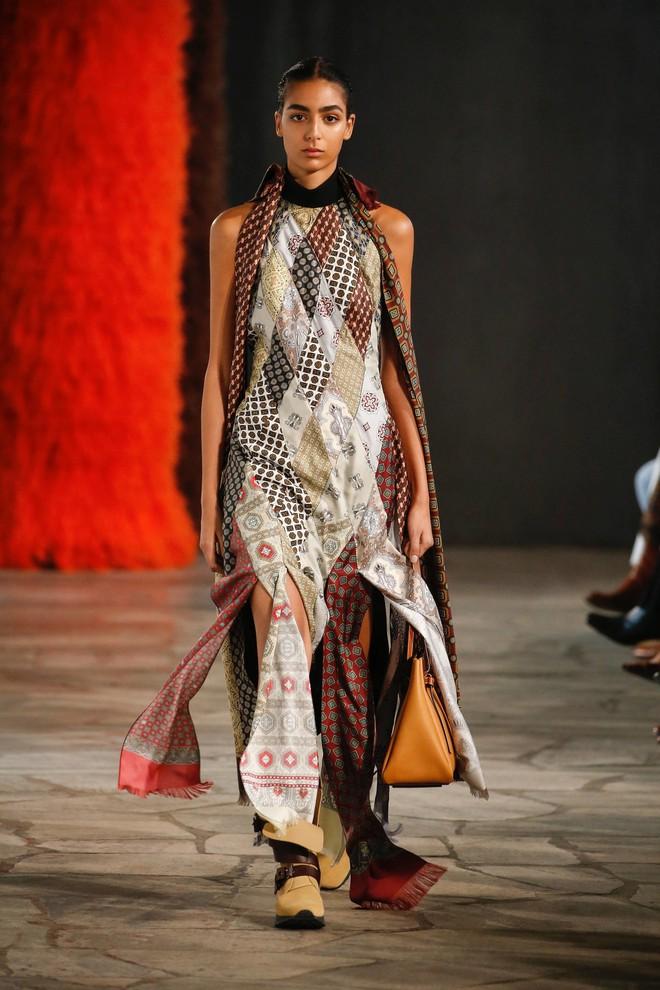 Top BST đỉnh nhất Paris Fashion Week do Vogue Mỹ chọn: Chanel vẫn an tọa, Gucci và Dior thì mất hút - ảnh 78