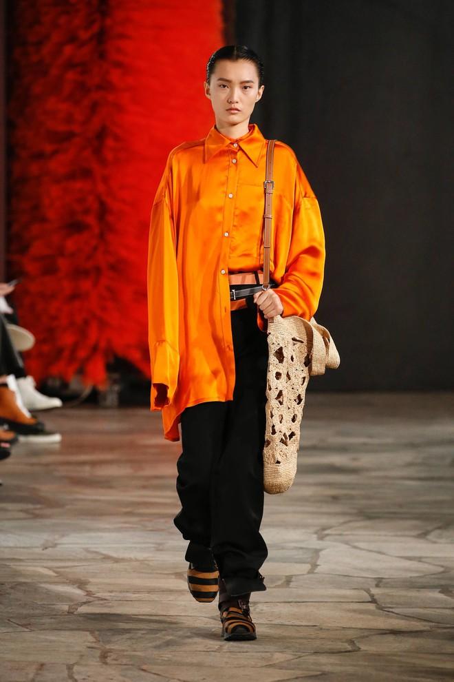 Top BST đỉnh nhất Paris Fashion Week do Vogue Mỹ chọn: Chanel vẫn an tọa, Gucci và Dior thì mất hút - ảnh 80