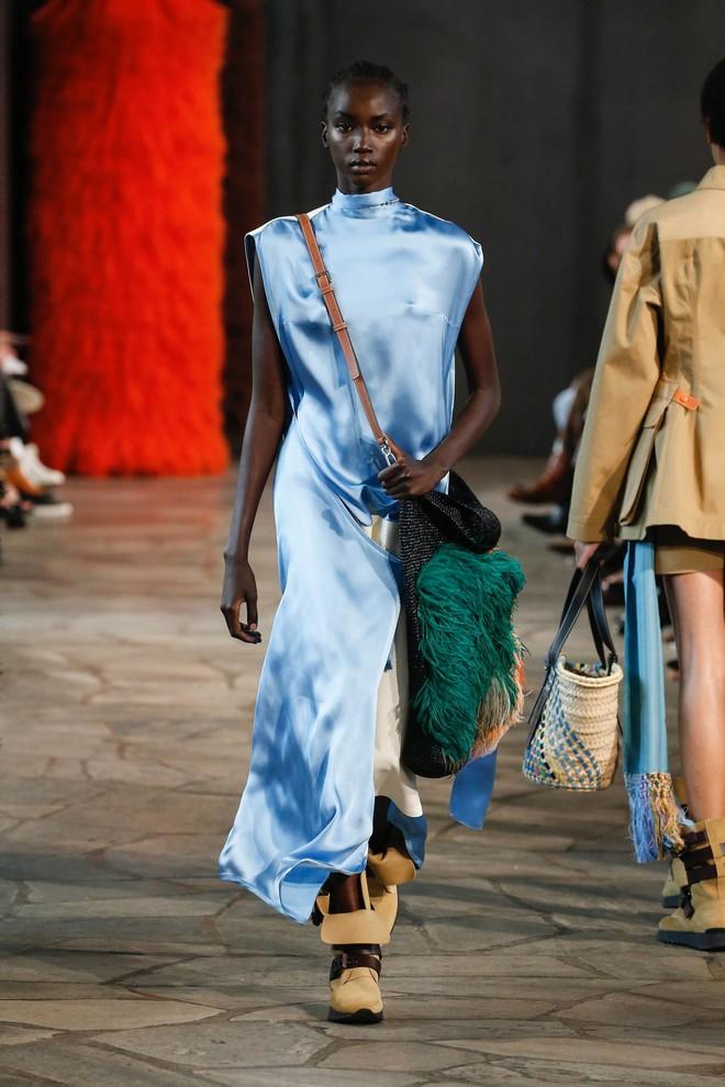 Top BST đỉnh nhất Paris Fashion Week do Vogue Mỹ chọn: Chanel vẫn an tọa, Gucci và Dior thì mất hút - ảnh 82