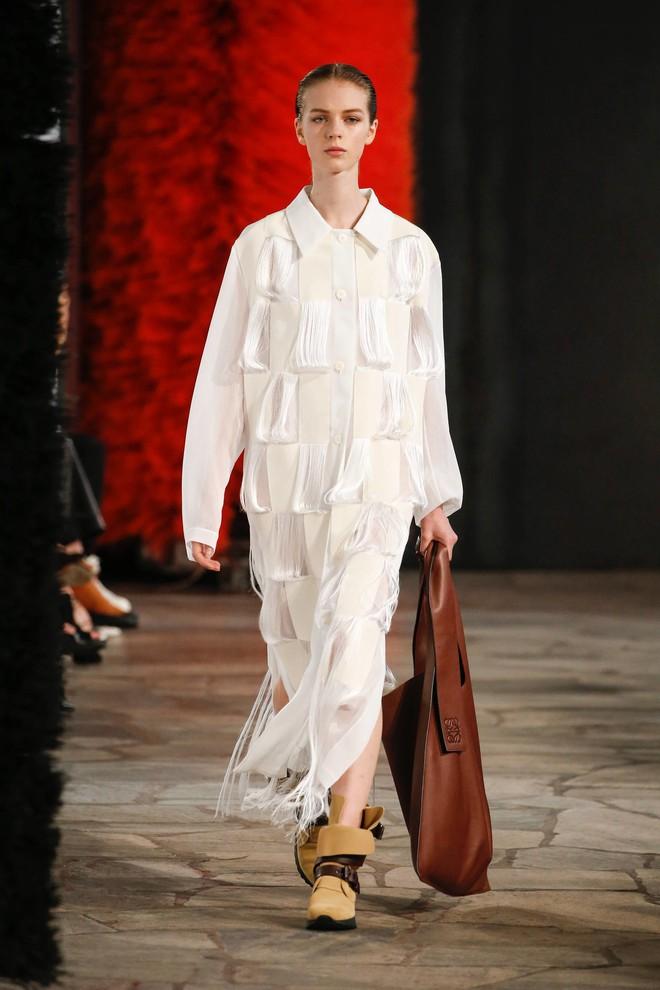 Top BST đỉnh nhất Paris Fashion Week do Vogue Mỹ chọn: Chanel vẫn an tọa, Gucci và Dior thì mất hút - ảnh 83