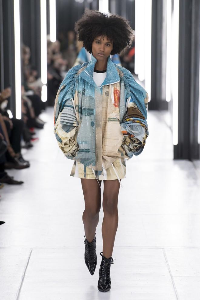 Top BST đỉnh nhất Paris Fashion Week do Vogue Mỹ chọn: Chanel vẫn an tọa, Gucci và Dior thì mất hút - ảnh 37
