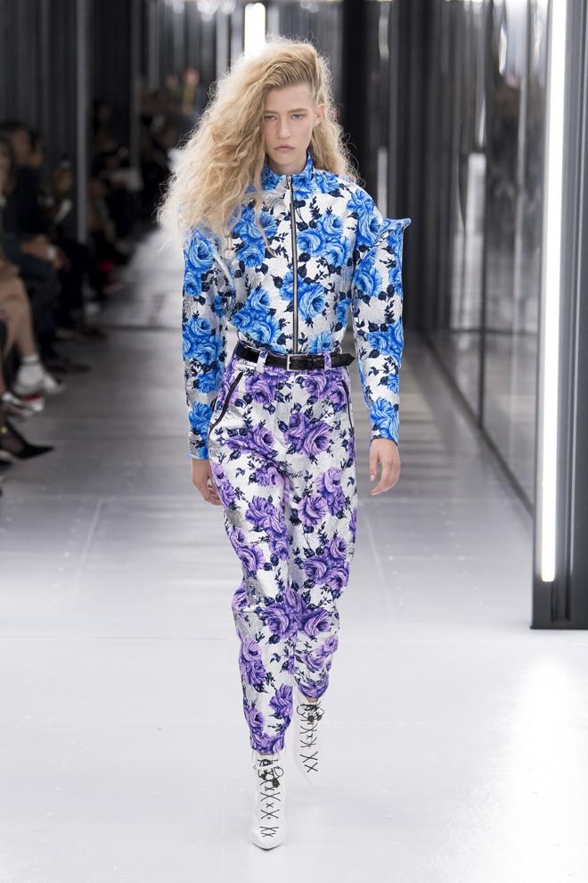 Top BST đỉnh nhất Paris Fashion Week do Vogue Mỹ chọn: Chanel vẫn an tọa, Gucci và Dior thì mất hút - ảnh 40