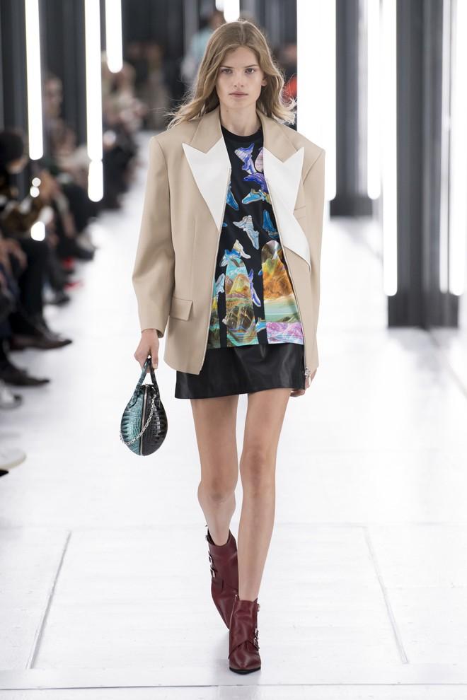 Top BST đỉnh nhất Paris Fashion Week do Vogue Mỹ chọn: Chanel vẫn an tọa, Gucci và Dior thì mất hút - ảnh 41