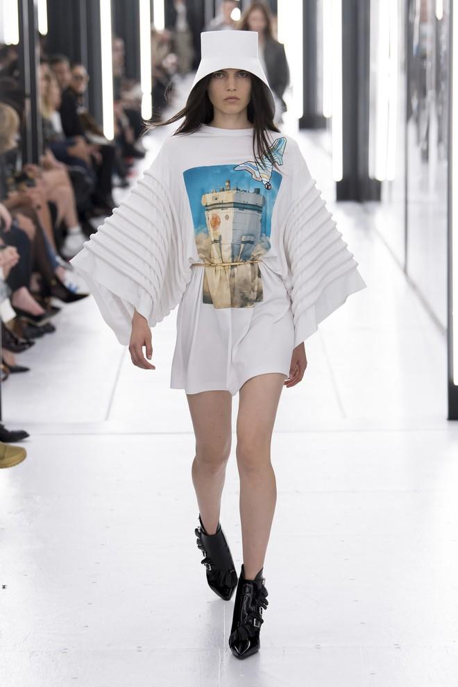 Top BST đỉnh nhất Paris Fashion Week do Vogue Mỹ chọn: Chanel vẫn an tọa, Gucci và Dior thì mất hút - ảnh 43