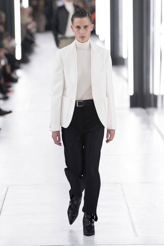 Top BST đỉnh nhất Paris Fashion Week do Vogue Mỹ chọn: Chanel vẫn an tọa, Gucci và Dior thì mất hút - ảnh 44