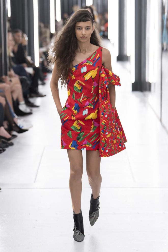 Top BST đỉnh nhất Paris Fashion Week do Vogue Mỹ chọn: Chanel vẫn an tọa, Gucci và Dior thì mất hút - ảnh 46
