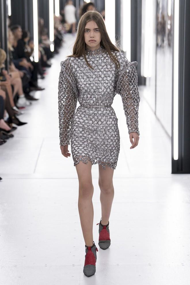 Top BST đỉnh nhất Paris Fashion Week do Vogue Mỹ chọn: Chanel vẫn an tọa, Gucci và Dior thì mất hút - ảnh 47