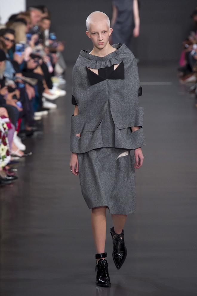 Top BST đỉnh nhất Paris Fashion Week do Vogue Mỹ chọn: Chanel vẫn an tọa, Gucci và Dior thì mất hút - ảnh 58