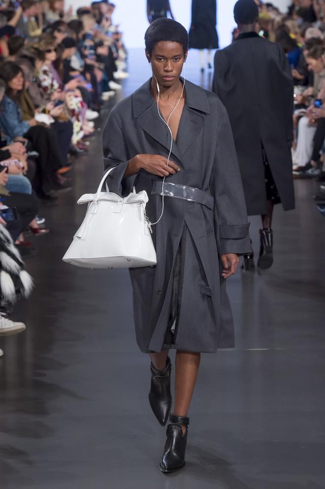 Top BST đỉnh nhất Paris Fashion Week do Vogue Mỹ chọn: Chanel vẫn an tọa, Gucci và Dior thì mất hút - ảnh 61