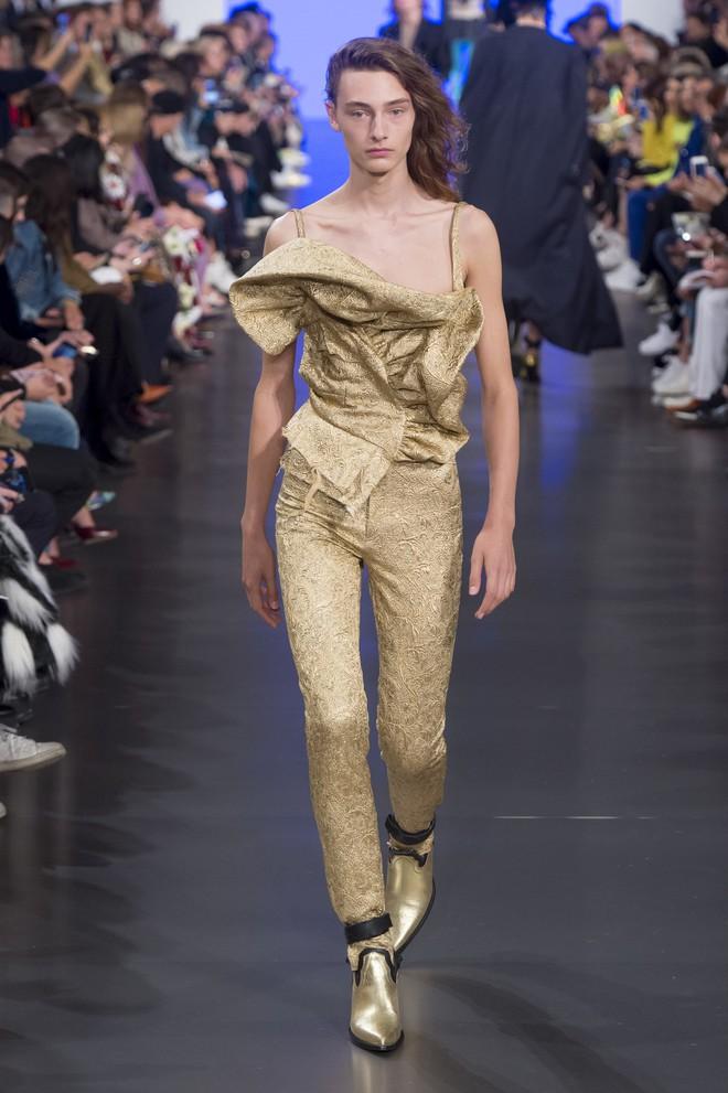 Top BST đỉnh nhất Paris Fashion Week do Vogue Mỹ chọn: Chanel vẫn an tọa, Gucci và Dior thì mất hút - ảnh 63