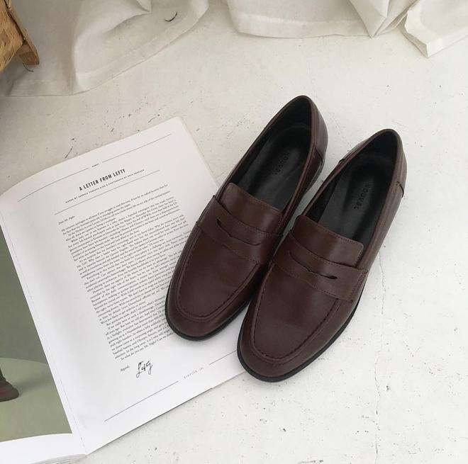 Đây chính là 4 kiểu giày loafer không thể thiếu trong tủ đồ của nàng công sở - ảnh 7