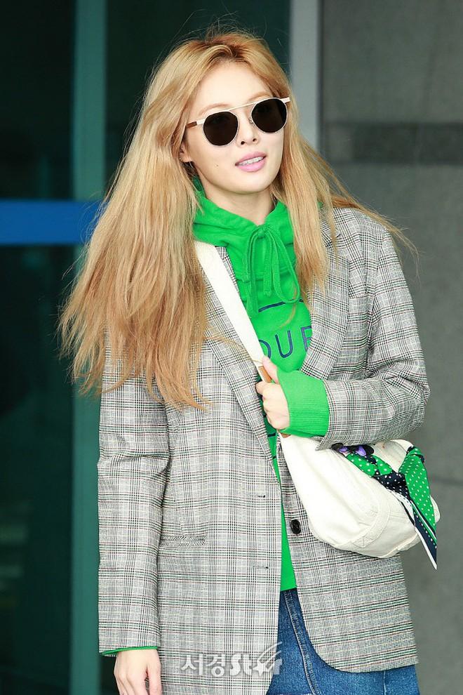 """Đổi muôn vàn màu tóc, sao Hàn lãnh hậu quả """"buồn và cười"""" theo đúng nghĩa đen - ảnh 14"""