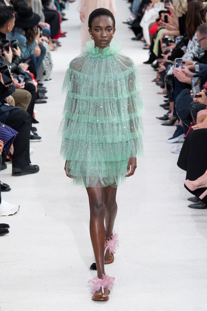 Top BST đỉnh nhất Paris Fashion Week do Vogue Mỹ chọn: Chanel vẫn an tọa, Gucci và Dior thì mất hút - ảnh 28