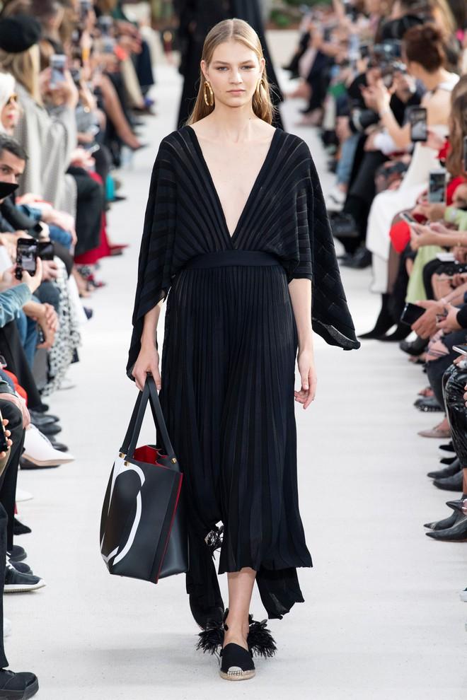 Top BST đỉnh nhất Paris Fashion Week do Vogue Mỹ chọn: Chanel vẫn an tọa, Gucci và Dior thì mất hút - ảnh 31