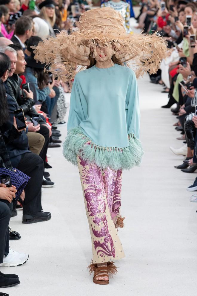 Top BST đỉnh nhất Paris Fashion Week do Vogue Mỹ chọn: Chanel vẫn an tọa, Gucci và Dior thì mất hút - ảnh 36