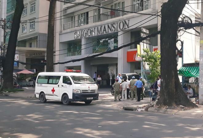 Cô gái 19 tuổi tử vong sau khi rơi từ toà nhà cao tầng ở trung tâm Sài Gòn - Ảnh 2.