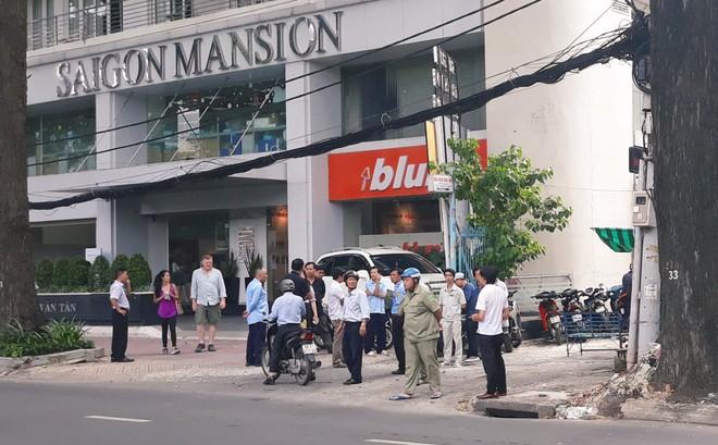 Cô gái 19 tuổi tử vong sau khi rơi từ toà nhà cao tầng ở trung tâm Sài Gòn - Ảnh 1.