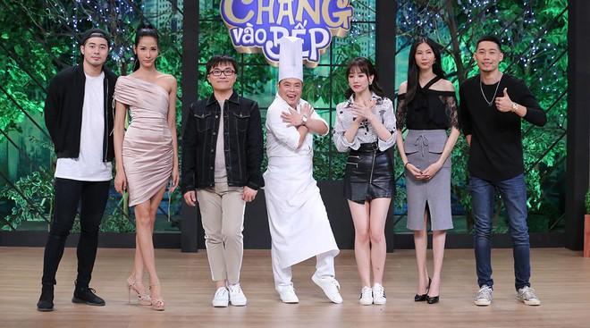 Hoàng Thùy, Cao Ngân không màng hình tượng, la hét đồng đội trong show nấu ăn - Ảnh 1.