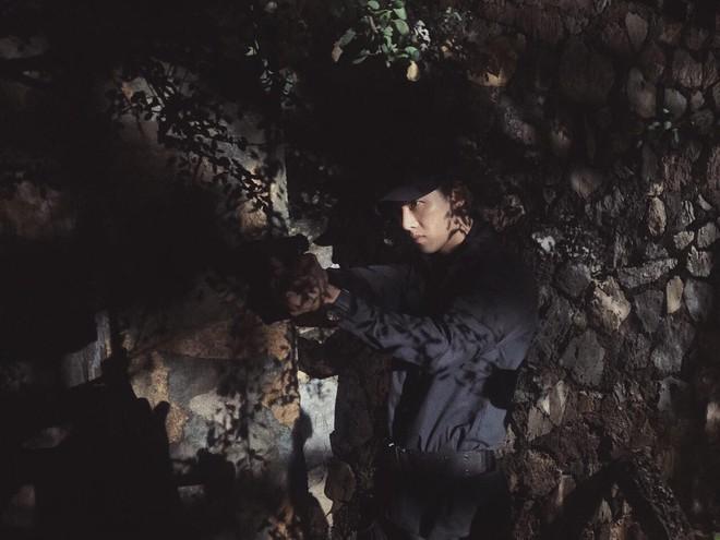Dân tình cứ mải chê Khả Ngân mà quên rằng style của Song Luân trong Hậu Duệ Mặt Trời cũng ổn ra phết - ảnh 3