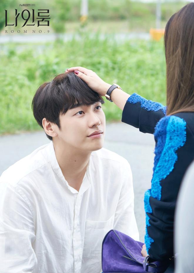 Room No. 9 của Kim Hee Sun: Đâu là sự chịu đựng khủng khiếp nhất mà một người có thể gặp phải? - Ảnh 7.