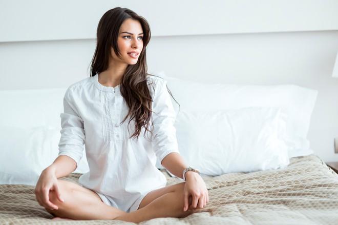 Duy trì những việc này trước khi đi ngủ giúp bạn ngăn ngừa nguy cơ lão hóa từ sớm - ảnh 4