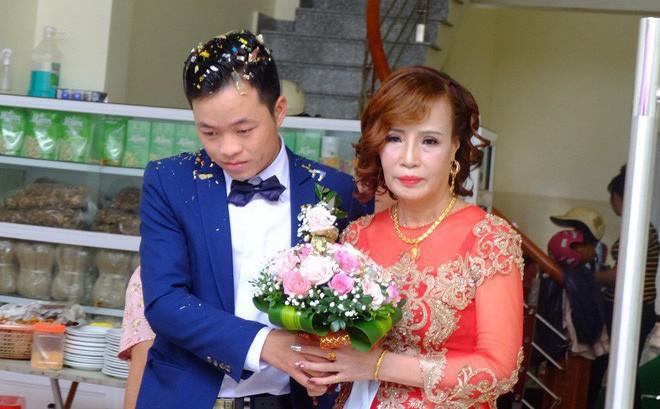 Kỷ niệm hai tháng đám cưới, cô dâu 62 tuổi chia sẻ tâm sự dài dành cho chồng trẻ: Yêu anh, xin lỗi vì em đã là mối tình đầu của anh... - ảnh 5