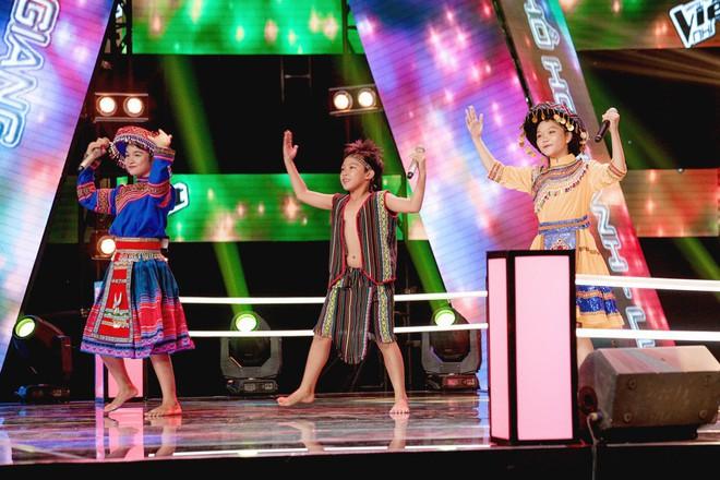 Giọng hát Việt nhí: Tiết mục kết hợp âm nhạc Tây Bắc - Tây Nguyên được đánh giá đẳng cấp và quá khủng - ảnh 1