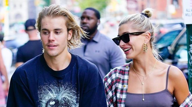 Justin Bieber khoe ảnh khóa môi với Hailey, nhưng gây chú ý hơn là làn da chi chít mụn của anh chàng - ảnh 2