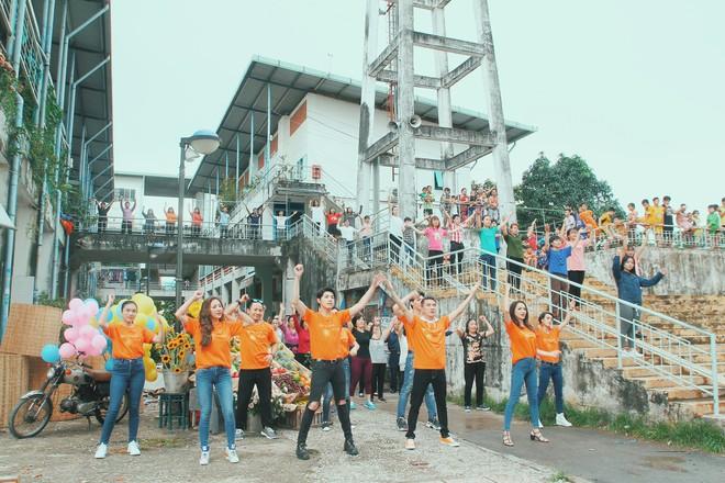 Dàn nghệ sĩ triệu view của Vpop cùng quy tụ trong MV truyền thông điệp sống tích cực - Ảnh 2.