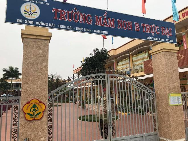 Vụ bé trai 4 tuổi bị buộc dây vào người ở trường mẫu giáo: Sở Giáo dục Đào tạo Nam Định vào cuộc xác minh - Ảnh 2.