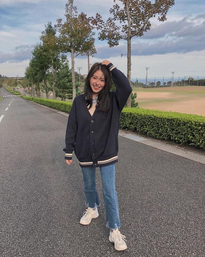 Muốn mặc đâu chuẩn đấy trong tiết trời se lạnh, bạn chỉ việc copy 10 công thức street style xuất sắc này từ loạt hot girl Việt - Ảnh 7.