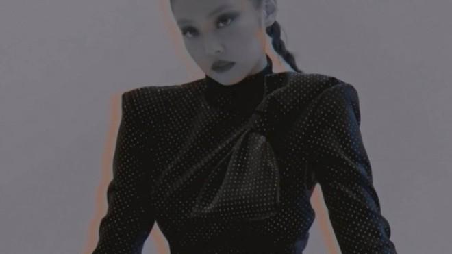 YG chiều Jennie hết sức: đầu tư váy 200 triệu để chụp poster, teaser MV nhìn như lookbook với hơn chục set quần áo - ảnh 10