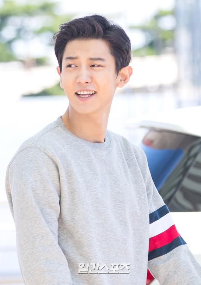 Chanyeol (EXO) bỗng bị đào mộ ảnh thời tóc dài và đây là phản ứng của cư dân mạng - ảnh 1
