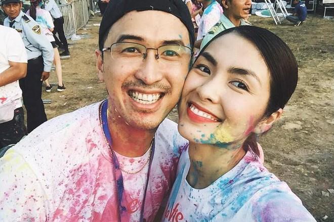 Louis Nguyễn đăng ảnh bình yên bên Tăng Thanh Hà nhân kỷ niệm 6 năm ngày cưới - ảnh 4