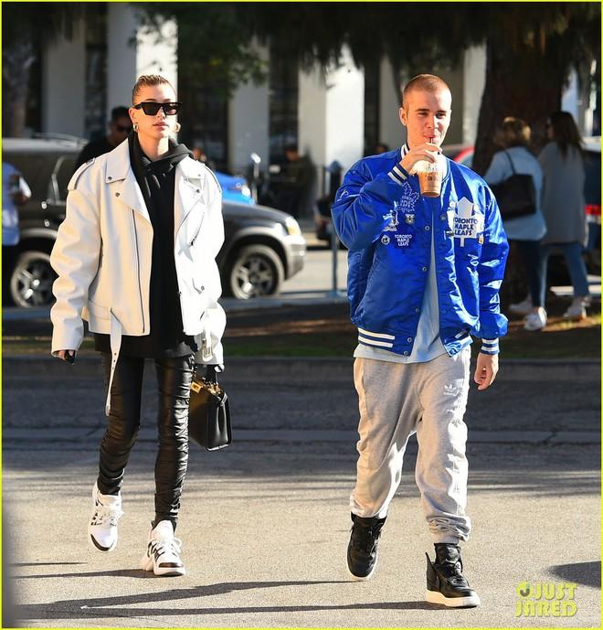 Lột xác đẹp trai hơn, Justin Bieber tươi tắn hết cỡ khi hẹn hò bà xã Hailey Baldwin trên phố - Ảnh 4.