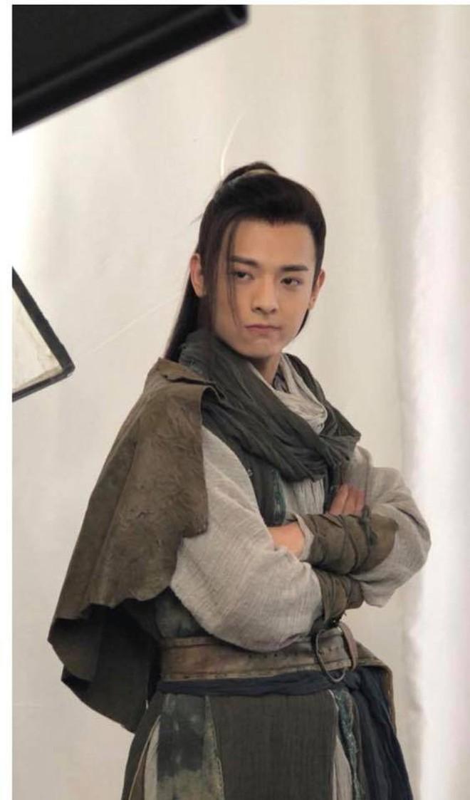 """Mai Tần Hà Hoằng San lên tiếng trấn an fan """"Thiên Long Bát Bộ 2018"""" sau sự cố ngã ngựa ngay phim trường - ảnh 7"""