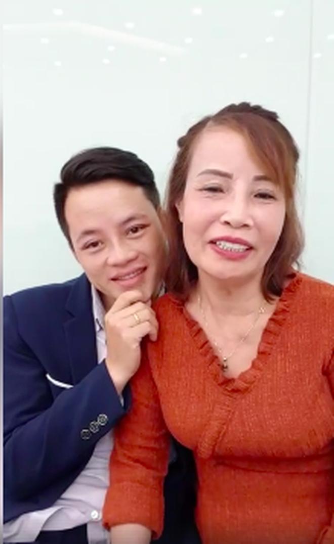 Cô dâu 62 tuổi tiếp tục chi hơn 200 triệu để làm răng sau khi căng da mặt cho xứng đôi với chồng trẻ - ảnh 3